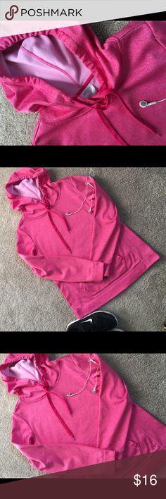 DANSKIN HOODIE SWEATSHIRT Cleaning out daughters closet from stuff she never wears. Danskin Sweaters