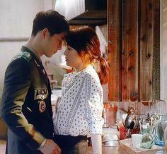 song Hye Kyo-Song joong ki Descendants of the Sun Song Joong, Song Hye Kyo, Songsong Couple, Best Couple, Korean Celebrities, Korean Actors, Korean Dramas, Desendents Of The Sun, Descendants Of The Sun Wallpaper