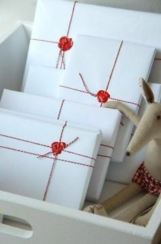 As you're buying gifts, add a personal touch with Unique 50 Christmas gift wrapping ideas! Upcycled Kraft Paper Gift Wrapping Ideas From: The Found and The Fancy How to P… Present Wrapping, Creative Gift Wrapping, Creative Gifts, Creative Ideas, Wrapping Papers, Unique Christmas Gifts, Christmas Gift Wrapping, Holiday Gifts, Christmas Presents