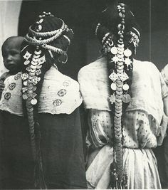Africa: Berber hair ornaments of the Ziz Valley, Morocco Costume Ethnique, Ethno Style, Tribal Fusion, We Are The World, Hair Ornaments, Tribal Jewelry, Coin Jewelry, World Cultures, African Women