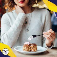 El consumo desmedido de alimentos y bebidas azucaradas puede provocar sobrepeso, obesidad, diabetes, enfermedades intestinales, entre otros padecimientos. Los refrescos, los panes y los dulces como el chocolate son alimentos que muchas personas consumen, especialmente los niños, y es importante excluirlos lo más posible de nuestra dieta.