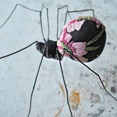 Textile Art.  Mister Finch Asi me encantan las arañas¡¡¡¡