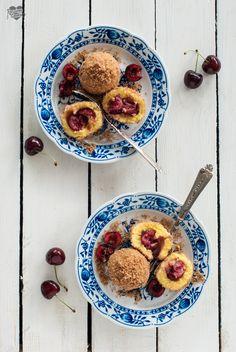 Canederli dolci ripieni di ciliegie  Griesknödel mit Kirschfüllung http://blog.giallozafferano.it/passionecooking/canederli-ripieni-di-ciliegie-ricetta-dellalto-adige/