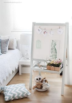 great Ikea hack - I own that easel and love the idea of painting it a soft gray - must try!