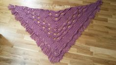 Made by Chippzan: Shawl - with shells and clusters of double crochet - free pattern With chart and written pattern.