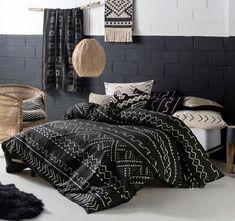 https://www.manchesterwarehouse.com.au/linen-house-lifestyle-bambara-quilt-cover-set-range-black/