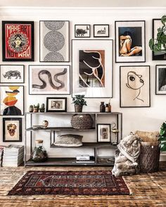 Inspiration Wand, Interior Inspiration, Home Living Room, Living Room Decor, Bedroom Decor, Master Bedroom, Eclectic Gallery Wall, Eclectic Wall Decor, Everything But The House