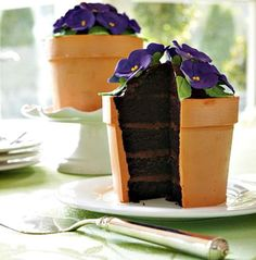 Beautiful Spring Cake The cakes on this site are so beautiful. I'm inspired. I want to be able to make these some day.