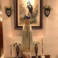 Home Altar Catholic, Nun Catholic, Catholic Relics, Blessed Mother Mary, Blessed Virgin Mary, Prayer Corner, Lady Of Fatima, Holy Mary, Jesus Pictures