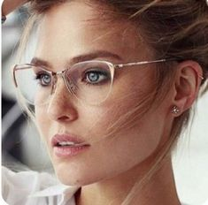 50 Cool Cute Original Alternative On Trend Clear Rimless Glasses With Gold Frames Spring Summer Fashion Accessory Trends Cute Glasses, New Glasses, Cat Eye Glasses, Glasses Online, Glasses Style, Funky Glasses, Glasses Trends, Lunette Style, Rimless Glasses