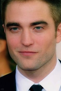 Rob Pattinson- scrumptious!!!