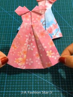 Are you looking for easy Paper Craft Ideas to do with you kids? We collected 10 easy and fun DIY Ideas for you and your kids Sie für Kinder Videos 10 Easy Paper Craft Ideas - DIY For Kids - Paper Skirt Diy Crafts Hacks, Diy Crafts For Gifts, Diy Home Crafts, Diy Arts And Crafts, Diy Crafts Videos, Creative Crafts, Fun Crafts, Simple Crafts, Creative Ideas