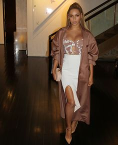 Beyonce Syle: Classy and Stylish in 64 Outfits Beyonce Knowles Carter, Beyonce And Jay Z, Beyonce Style, Queen B, Swagg, Rihanna, Celebrity Style, Celebs, Style Inspiration