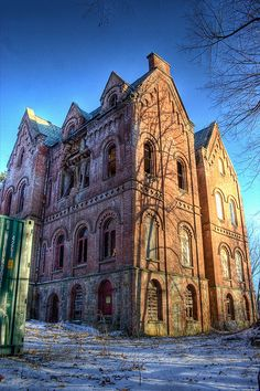Wyndclyffe Mansion (in Rhinebeck New York) abandoned building home house