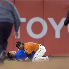 @SFGiants left fielder Angel Pagan body-slammed a fan who ran onto the field into the outfield grass at AT&T Park during the fourth inning against the @Dodgers. @ap.images #abc7news #abc7now #SFGiants #AngelPagan #ATTPark #Dodgers