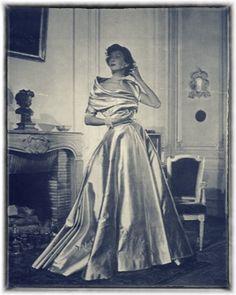 Christian Dior 1948 Photo Jean-Louis Moussempès, Evening Gown