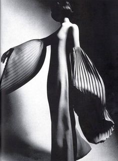 Fashion - 1970 issue from Harper's Bazaar Photographed by Guy Bourdin