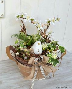 Deco Floral, Arte Floral, Spring Projects, Spring Crafts, Bird Nest Craft, Easter Flowers, Spring Home Decor, Hoppy Easter, Easter Wreaths