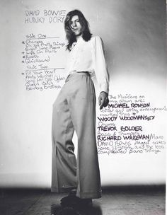 David Bowie 70s (photo by Brian Ward). Hunky Dory, one of my favourite albums!