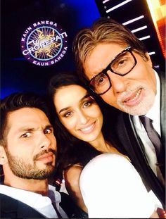 Selfie time on KBC sets – Shraddha Kapoor, Shahid Kapoor and Amitabh Bachchan.