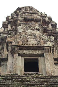 """Ruinas de #AngkorWat Conoce más en nuestro artículo: """"Y finalmente: su majestad #AngkorWat"""" #Camboya #Cambodia"""