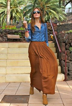 Long skirt+ Denim shirt = niiiice shirt camisa maxi falda skirt larga botines