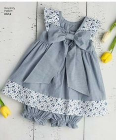 Cotton Frocks For Kids, Frocks For Babies, Baby Girl Frocks, Frocks For Girls, Baby Frock Pattern, Baby Girl Dress Patterns, Kids Summer Dresses, Little Girl Dresses, Baby Girl Frock Design