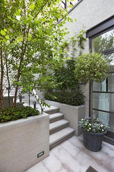 Edmund Hollander Landscape Architects | Award-Winning City Courtyard