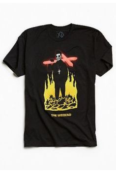 The Weeknd - T-shirt motif crucifix - Homme L https://modasto.com/urban-outfitters/erkek-ust-giyim-t-shirt/br47208ct88