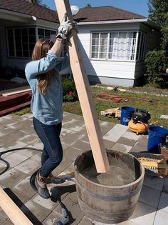 How to Make Planter Posts for String Lights Extend your outdoor living space with a new patio. Use it to create a new space for dining lounging or a base for a fire pit. The post How to Make Planter Posts for String Lights appeared first on Outdoor Diy. Diy Deck, Diy Patio, Outdoor Patio Ideas On A Budget Diy, Backyard Ideas On A Budget, Inexpensive Backyard Ideas, Patio Ideas For Small Spaces, Patio With Firepit, Diy Firepit Ideas, Patio Party Ideas