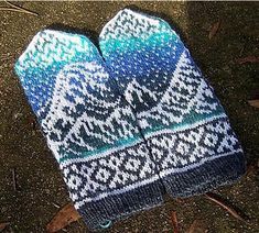 Great Wave Mittens Knitting Pattern