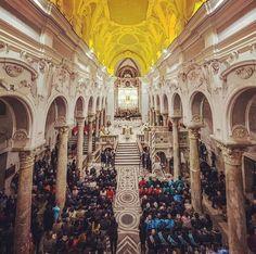 Cattedrale di Sessa Aurunca, interno.
