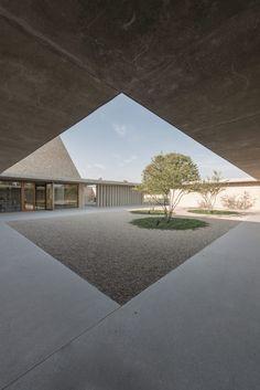 ArchitecturePasteBook.co.uk (zachbalbino: Chapel Funeral Ingelheim / Bayer