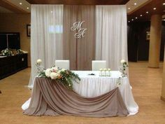 Super wedding backdrop head table simple altars 65 Ideas Super wedding backdrop head table simple al Decoration Evenementielle, Table Decorations, Wedding Reception, Rustic Wedding, Wedding Ideas, Wedding Altars, Wedding Arches, Wedding Simple, Wedding Tables