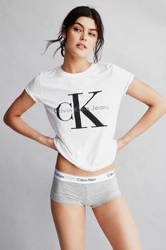e0009754a61b2b Calvin Klein For UO Tee Shirt - Urban Outfitters - Total Street Style Looks  And Fashion Outfit Ideas