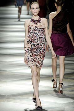 Lanvin Spring 2009 Ready-to-Wear Collection Photos - Vogue