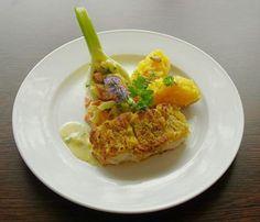 """Unser Rezept des Monats ist ein Hochgenuss: Strodehner Welsfilet unter einer Honig-Senf-Kruste, kreiert von Sebastian Crakau aus dem Restaurant """"Klabautermann"""" in Steckelsdorf."""