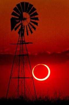 2012 Annular Solar Eclipse - Lubbock, Texas by unripegreenbanana, via Flickr