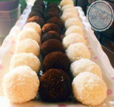Hindistan cevizli irmik topları yapmak isteyen hanımlar için.. Meze, Cupcake, Cupcake Cakes, Cup Cakes, Teacup Cake