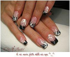 *Per il french laura ha usato black , gel refill e flexbrush bianco Black And White Nail Designs, Silver Nail Designs, Chic Nail Art, Chic Nails, Flower Nails, Nail Flowers, Pointed Nails, Elegant Nails, Bridal Nails