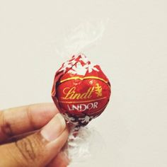 Just another hint kids !  #LindorInstagram #LindtLovers #ChocolateLovers #gifts #LindtUK #Mothersday