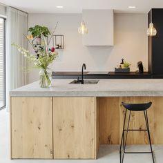 Consider Installing Kitchen Islands To Go With Your Unique Kitchen Design – Home Decor World Ikea Kitchen, Kitchen Interior, Kitchen Decor, Kitchen Island, Plywood Kitchen, Big Kitchen, Kitchen Shelves, Kitchen Utensils, Kitchen Hacks