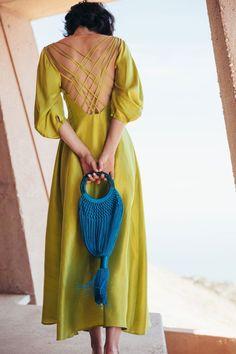 Look Fashion, Fashion Details, Womens Fashion, Fashion Design, Dress Backs, Dress Up, Pretty Dresses, Spring Summer Fashion, Ideias Fashion
