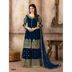 Look chic yet traditional at next event, grab these party wear punjabi suits with stone work, embroidery. Punjabi Suits for Party Wear, rock at party with punjabi suits with heavy embroidery and stone work or with flowers. Designer Salwar Kameez, Pakistani Salwar Kameez, Churidar Suits, Salwar Kameez Online, Pakistani Dresses, Indian Dresses, Indian Outfits, Pakistani Suits, Anarkali Suits