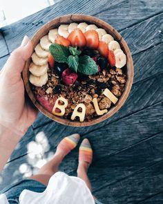 Bali-Jessamaddocks.com, JessaKae, Food, Cute, White top, Lulus, Acai Bowl, Good Vibes, Pink, Breakfast, Yum, Style, Fashion, Blonde, Hair, Beauty, Makeup, Shoes, Rainbow, Healthy