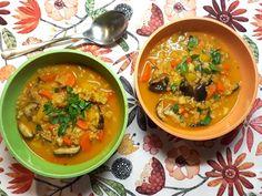Nach der kulinarisch intensiven Weihnachtszeit starten wir leicht in das neue Jahr: Mit einer feinen Wurzelsuppe mit Quinoa. Die hält richtig lange satt!
