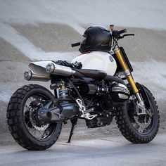 @jskcustomdesign has built a custom replica of the BMW R nineT.
