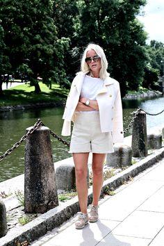 Tilda Bjärsmyr wearing Busnel - Ina Jacket off white.