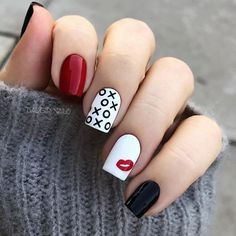 100 Romantic Valentine's Day Nails Designs with Hearts -