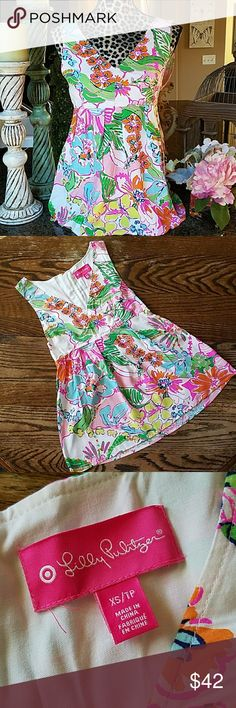 Lily Pulitzer Tank Colorful and bright top with pleats under portrait neckline.  Gold backsided zipper with pineapple. Lilly Pulitzer Tops Blouses